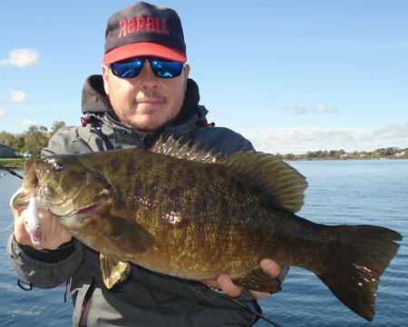 Fishing in Montreal Quebec, Montreal fishing spots, guides, info